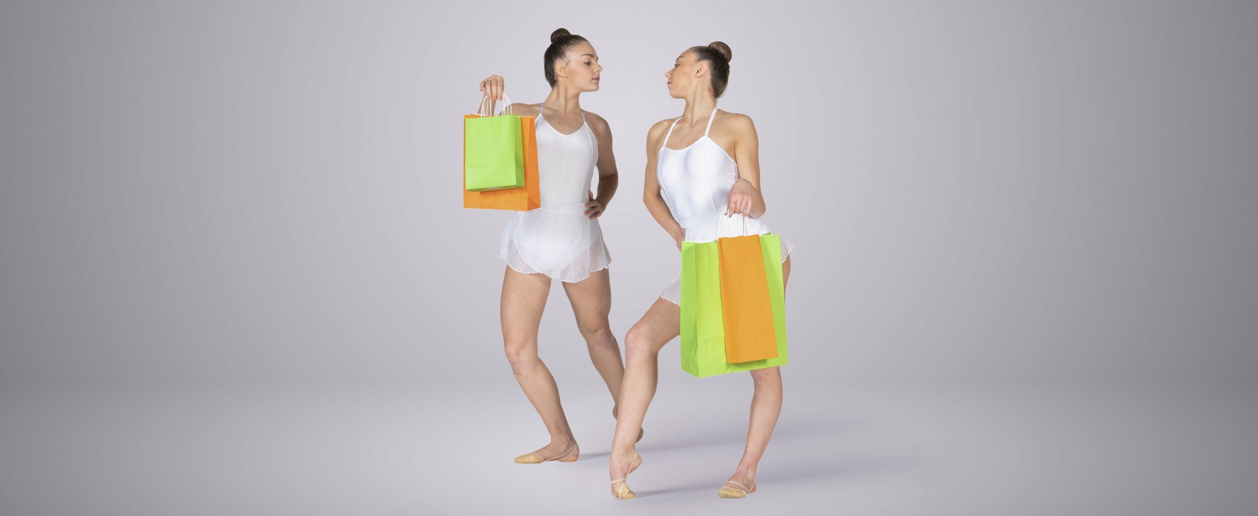 Ginnaste borse colorate in carta